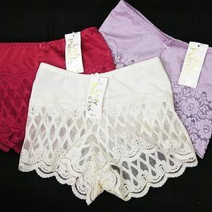 3 Pr. Lady Princess Panties + Black Lace Panties S